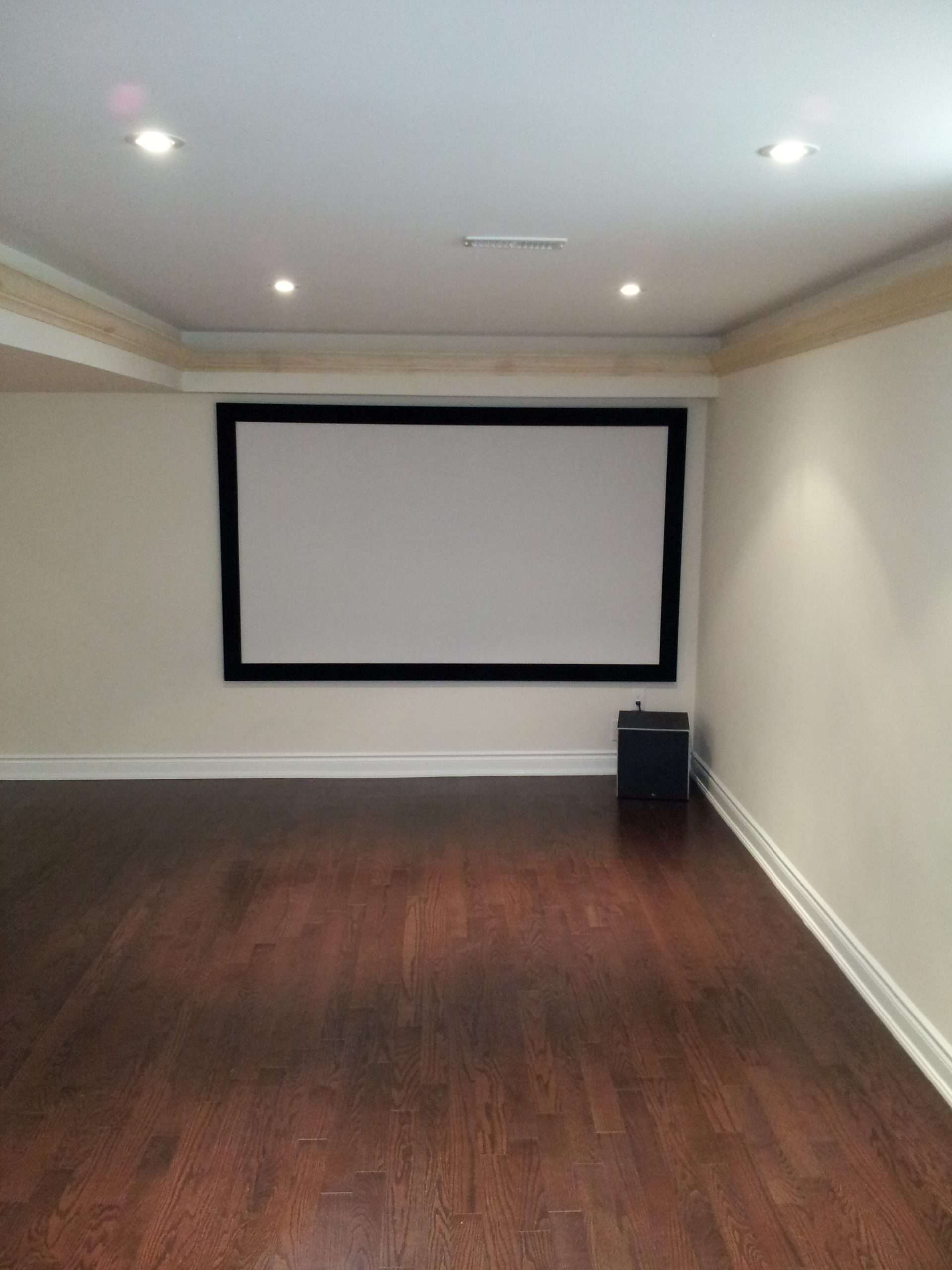 On Wall Projection Screen